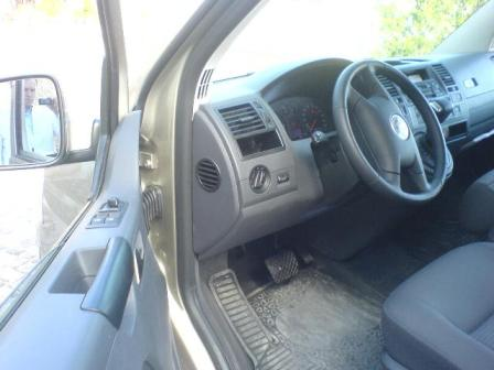 vw caravelle driver seat