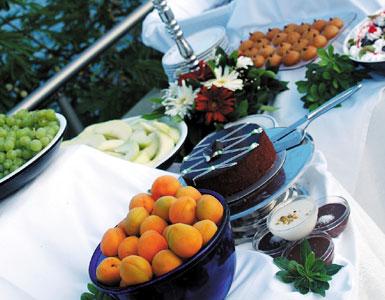 Talya Hotel dining table