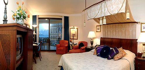 Cıragan bedroom with view on Bosphorus