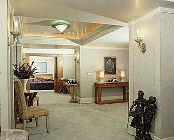 Zorlu Hotel living room in Trabzon
