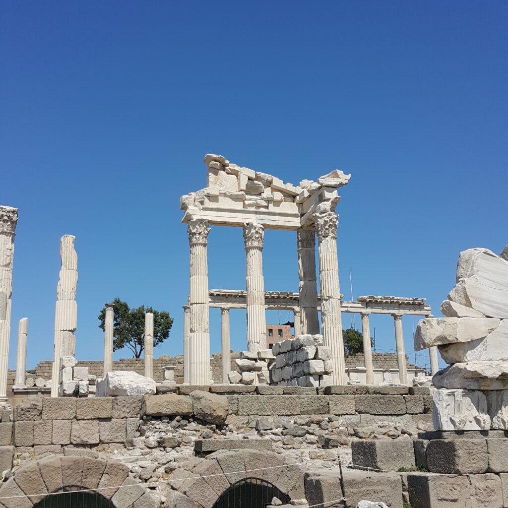 pergamon temples
